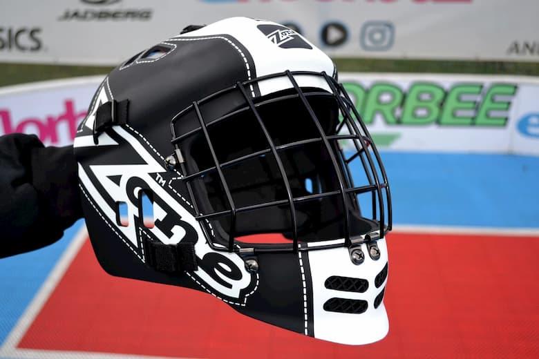 Универсальная маска, шлем для флорбола.